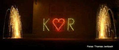 Lichterbild Buchstaben und brennendes Herz zum Hochzeitsfeuerwerk von Event Pyrotechnik Kulmbach
